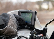 GARMIN ZUMO 220 MOTORCYCLE / CAR GPS Navigator LATEST 2012 MAPS